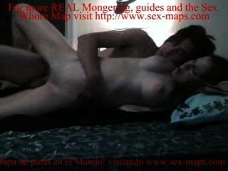 Niño folla prostituta en la cámara