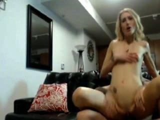 Chica rubia anal follar en casa