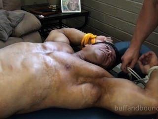 Musculoso y musculoso zeus diamonte