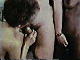 Peepshow loops 13 70s y 80s escena 2