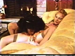 Lesbianas peepshow loops 612 70s y 80s escena 4