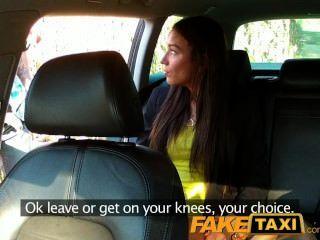 Faketaxi caliente budapest chica en taxi aeropuerto blowjob
