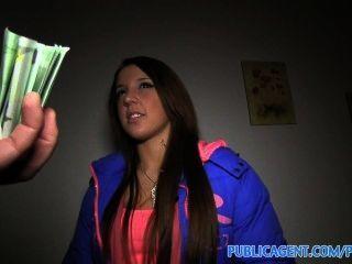 Publicagent anita me muestra su culo luego se inclina y se la follan por dinero en efectivo