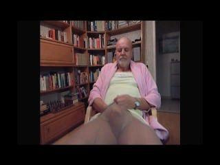 Tranny kinky filmado por su esposa mientras se masturba