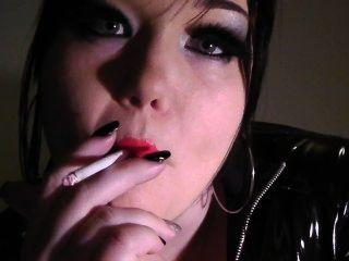 Muñeca princesa de fumar fetiche voga rojo lápiz labial