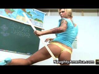 Brooke banner - un profesor caliente teases con los pies y el coño
