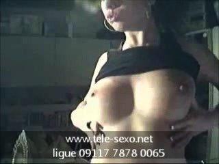 Sexy chica adolescente muestra sus tetas tele sexo.net 09117 7878 0065