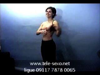 Morena chica posando topless en el casting tele sexo.net 09117 7878 0065