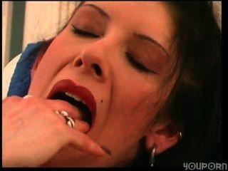 Puta cassandra se masturba