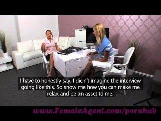 Agente femenino.Déjame mostrarte cómo placer a una mujer