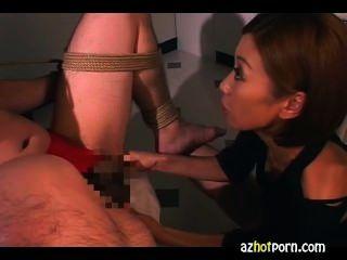 Precioso asiático chicas servicio de mano