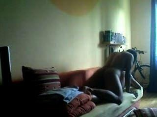 Hija de los vecinos es follada por un policía fuera de servicio