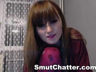 Yummy amateur brunette hipster masturbándose en la web cam