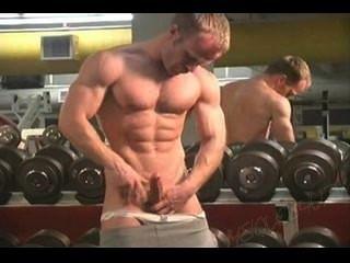 Mr.Tiempo muscleman gym