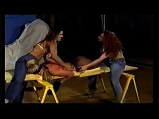 Cosquillas esclavo 3