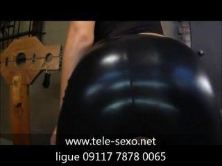 Mujer sensual de ropa de latex pretas www.tele sexo.net 09117 7878 0065