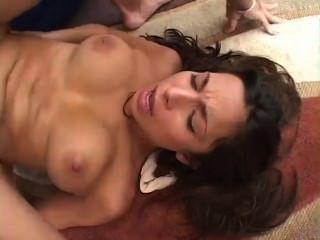 [420] sexy tiffany taylor follada en su coño calvo y facial