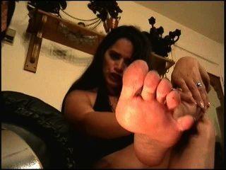 La señora saudita te controla con los pies pt dos