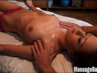 Victoria rae black consigue un masaje (w / music)