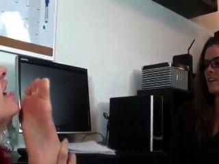 Pelirroja adora pies del jefe
