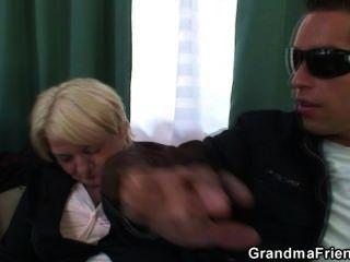Dos tipos recoger y fuck bebido abuela