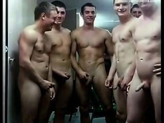 Soldados desnudos
