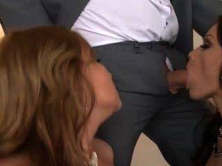 Sophie y abbie divirtiéndose con sus hombres