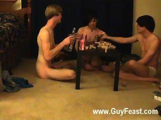 Trazo de sexo gay caliente y william se reúnen con su nuevo amigo austin