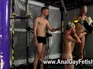 Gay porno aiden tiene su compañero diácono alrededor y los chicos deciden que quieren