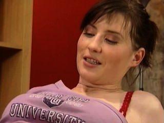 Adolescente busty tomado anally por principal en la oficina