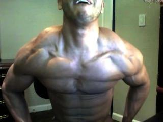 Chico webcam caliente gran cuerpo musculoso y enorme polla