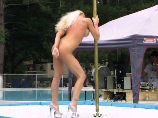 Stripper, competencia, nudista, recurso, al aire libre