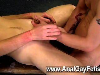 Película gay dan es uno de los hombres jóvenes más calientes, con su cuerpo apretado