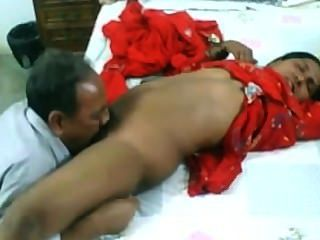 Amateur indian pareja madura follando en la webcam