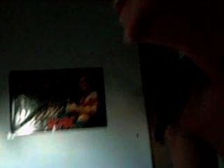 Mamada con el hermano en la habitación