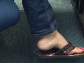 Franco flip flop flip shoeplay colgando de los pies 2