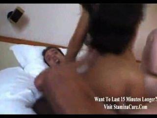 Aficionado grupo sexo foursome con tiros faciales