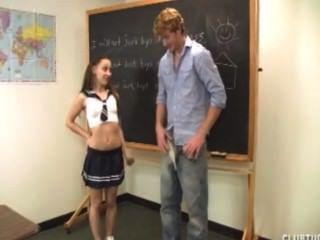 Linda colegiala sacude de su maestro
