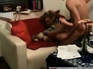 Novia alemana follada en el sofá