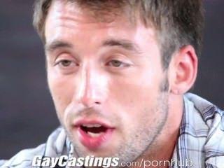 Gaycastings hunky contractor muestra y tirones