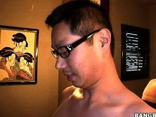 Amwf mujeres blancas interracial con chico asiático