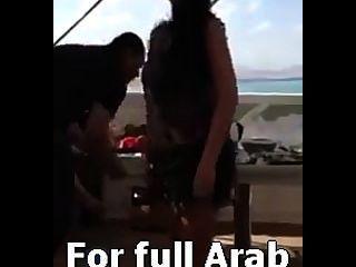 Safinaz bailarina sexy árabe en fiesta privada en Egipto