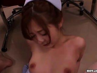 Chicas japonesas encantan a la madre sexy en bath room.avi