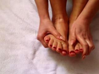 Masaje del pie de la mañana de la serena