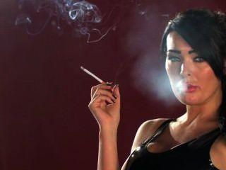 Charley atwell de fumar