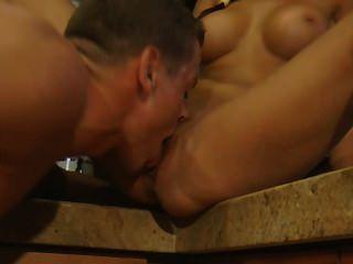 Nataly sexo en la cocina