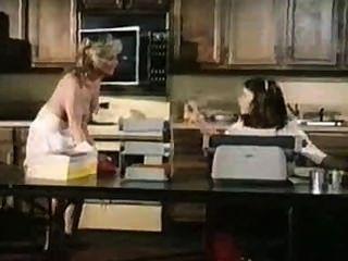 Satisfactions (1982) película completa kay parker