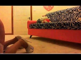 Chloe usa un consolador en la webcam