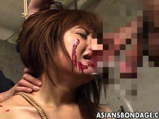 En la esclavitud, la cara follada y dedos