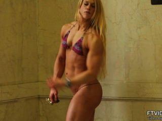 Calidad de la muchacha del músculo suizo